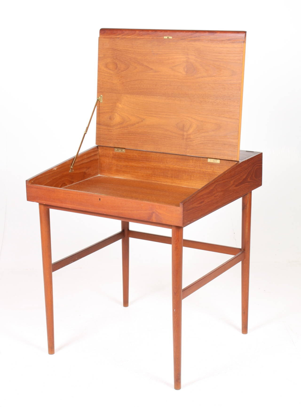 Writing Desk by Finn Juhl In Excellent Condition For Sale In Lejre, DK