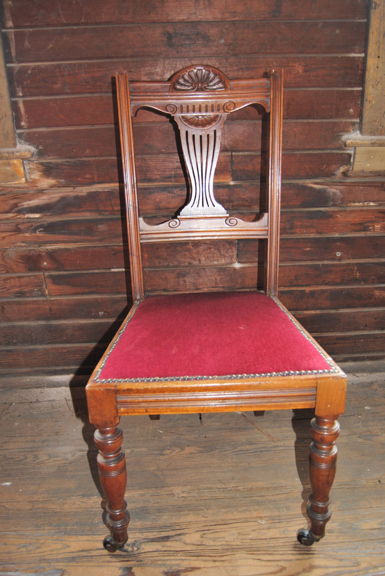 Set of 18 19th Century English Walnut Chairs In Good Condition For Sale In Savannah, GA