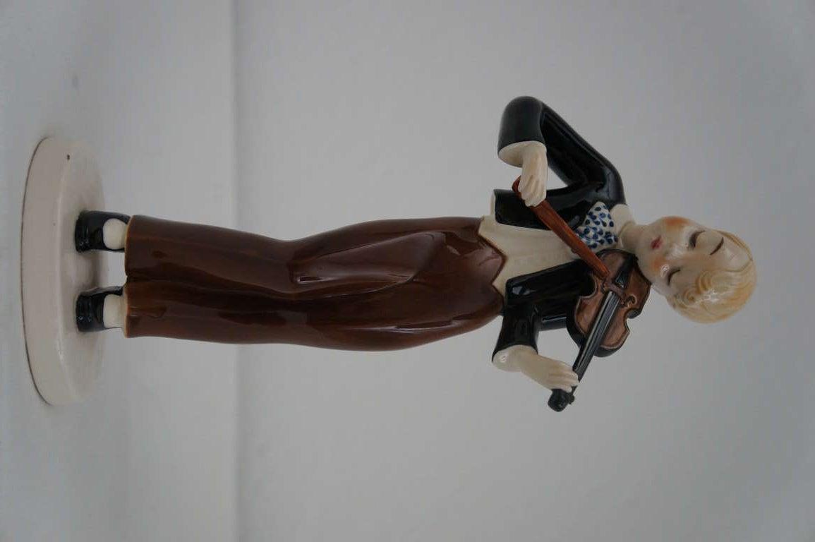 Dating rosenthal figurines