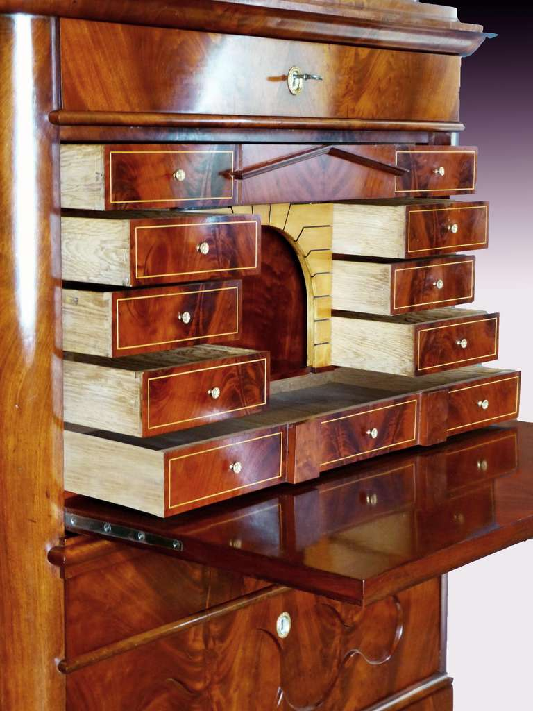 Secretaire Tabernacle Early 19th Century Biedermeier Signed In Excellent Condition For Sale In Santander, ES