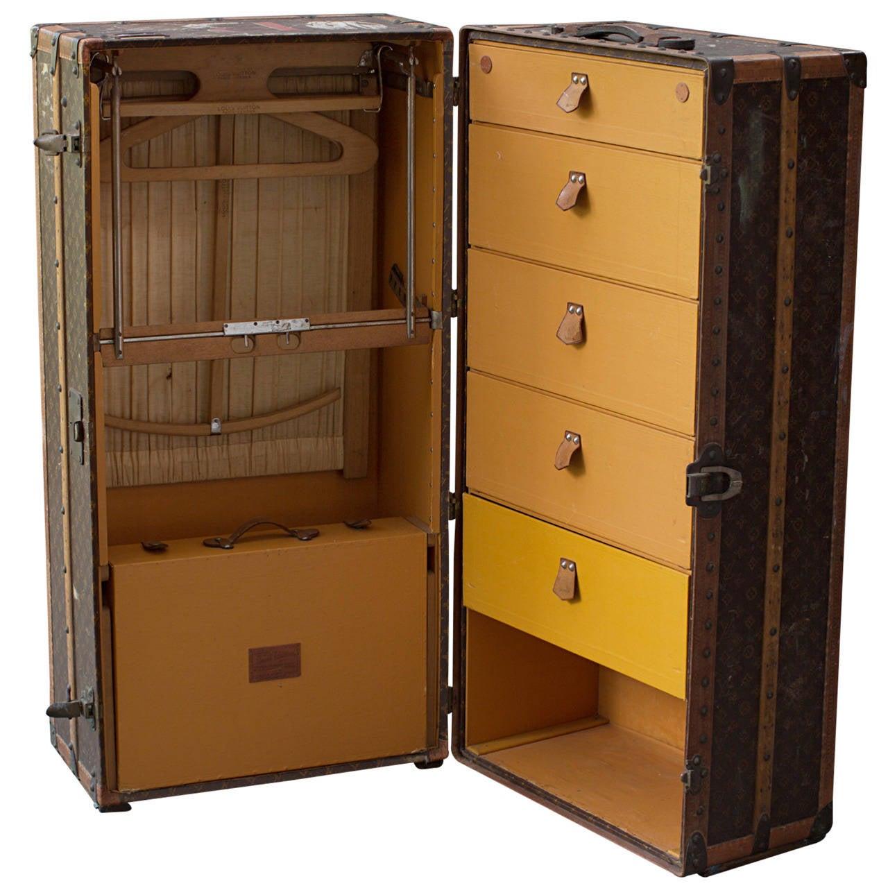 louis vuitton wardrobe trunk circa 1925 for sale - Wardrobe Trunk