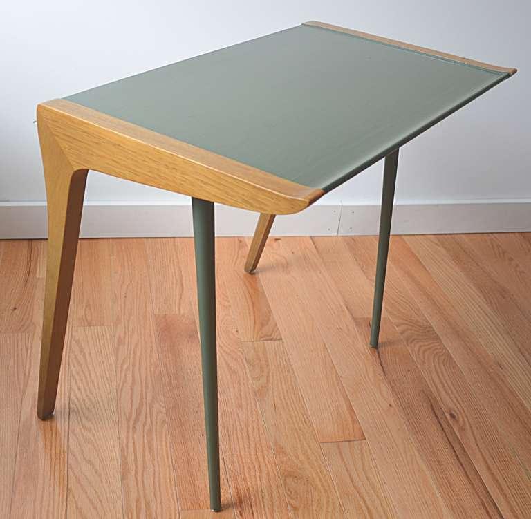 Mid Century Modern John Van Koert For Drexel Pair Side Tables