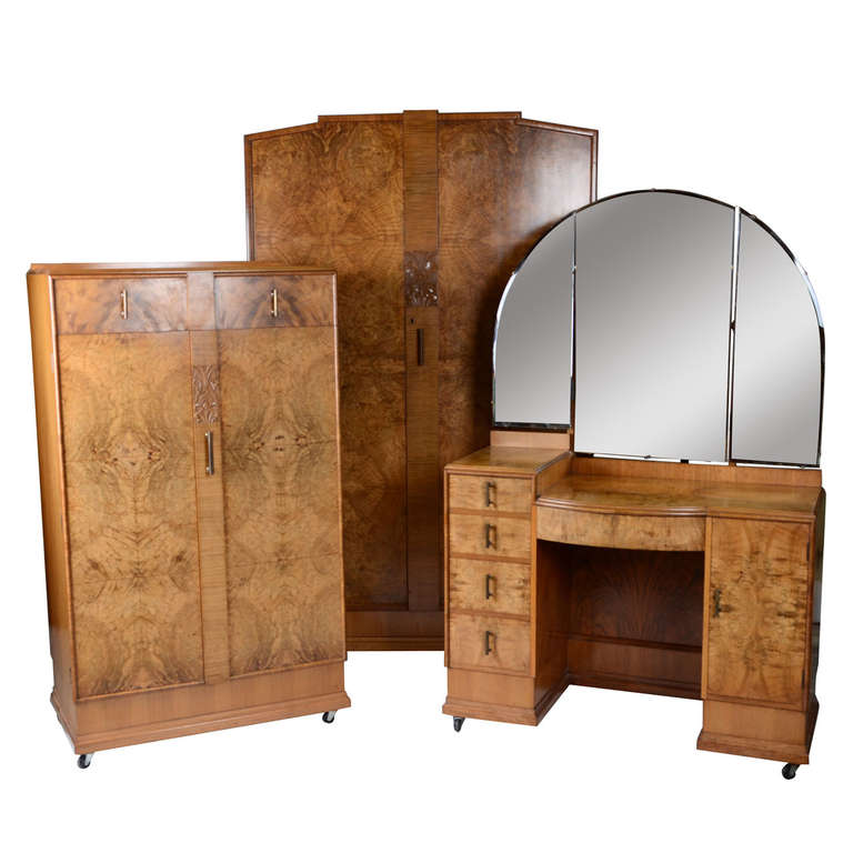 Art deco three piece bedroom suite at 1stdibs for Furniture 3 piece suites