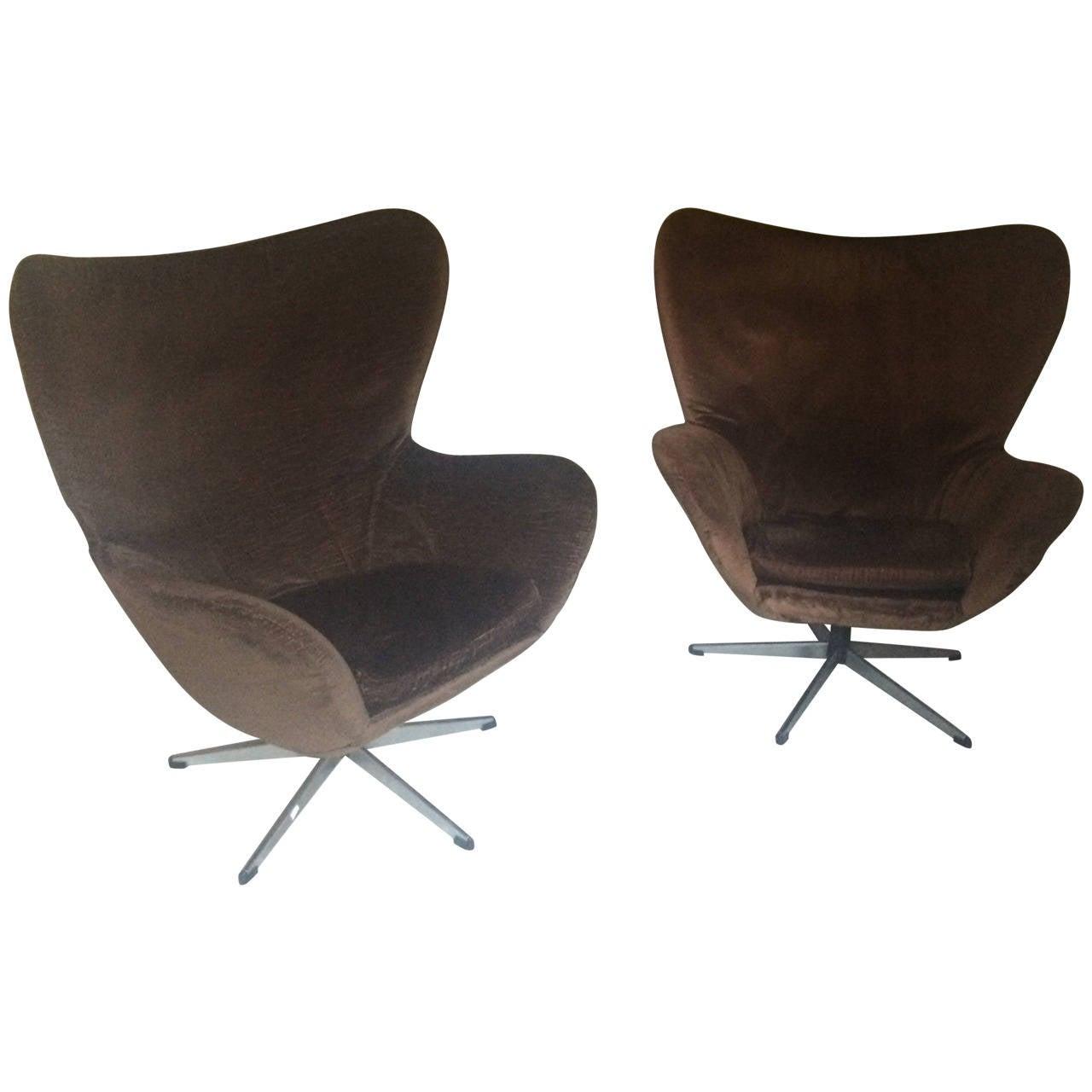 Pair Of 1960s Arne Jacobsen Egg Chairs At 1stdibs