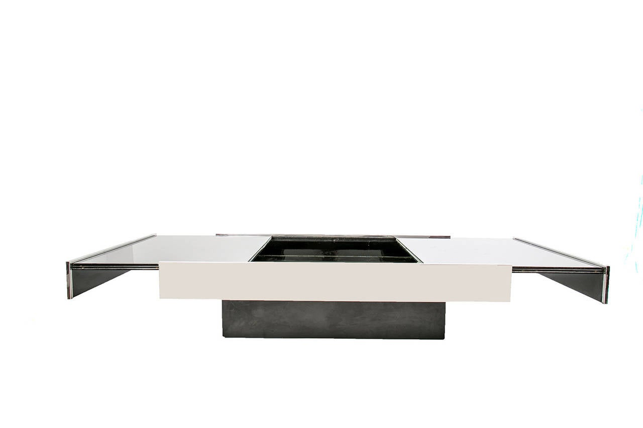 Extensible coffee table attributed to willy rizzo at 1stdibs for Table extensible 80