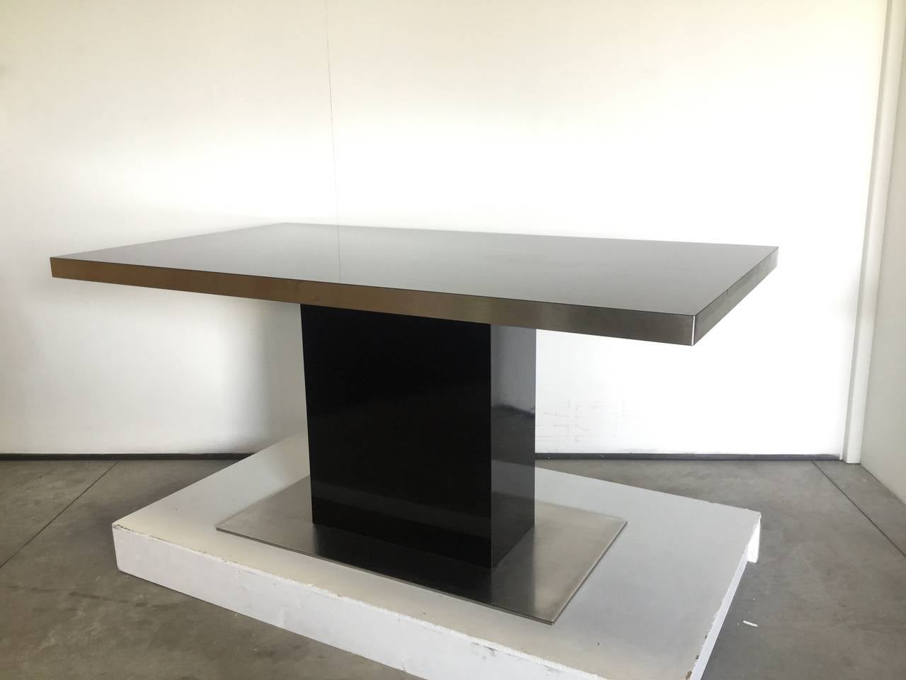 Dining table by willy rizzo 1970 at 1stdibs for Table willy rizzo