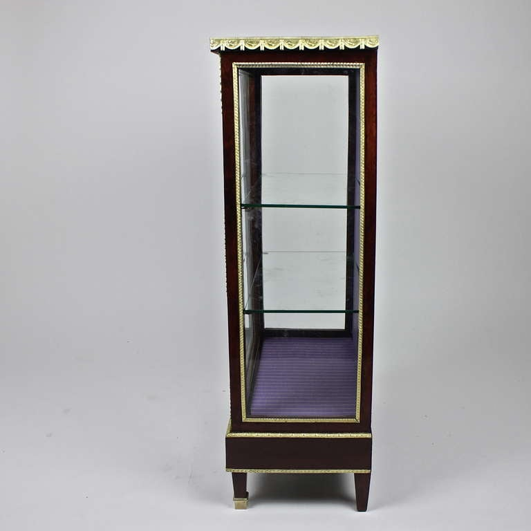 Laminated French Mahogany Ormolu-Mounted Louis XVI Style Display Cabinet For Sale