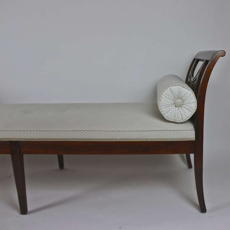 Biedermeier chaise longue day bed at 1stdibs for Bed chaise longue
