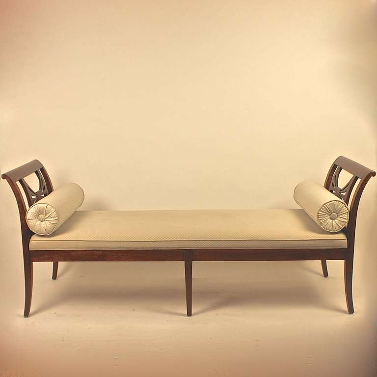 Biedermeier chaise longue day bed at 1stdibs for Chaise longue beds