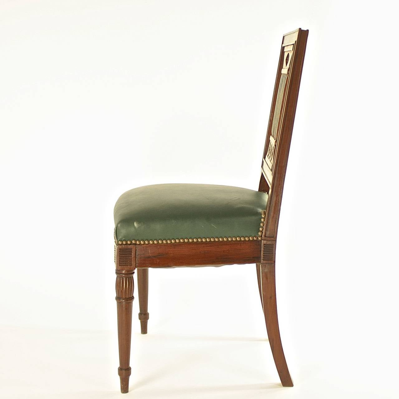 Carved Pair of Early 19th Century Chairs, in the manner of Bellange frere, circa 1810 For Sale