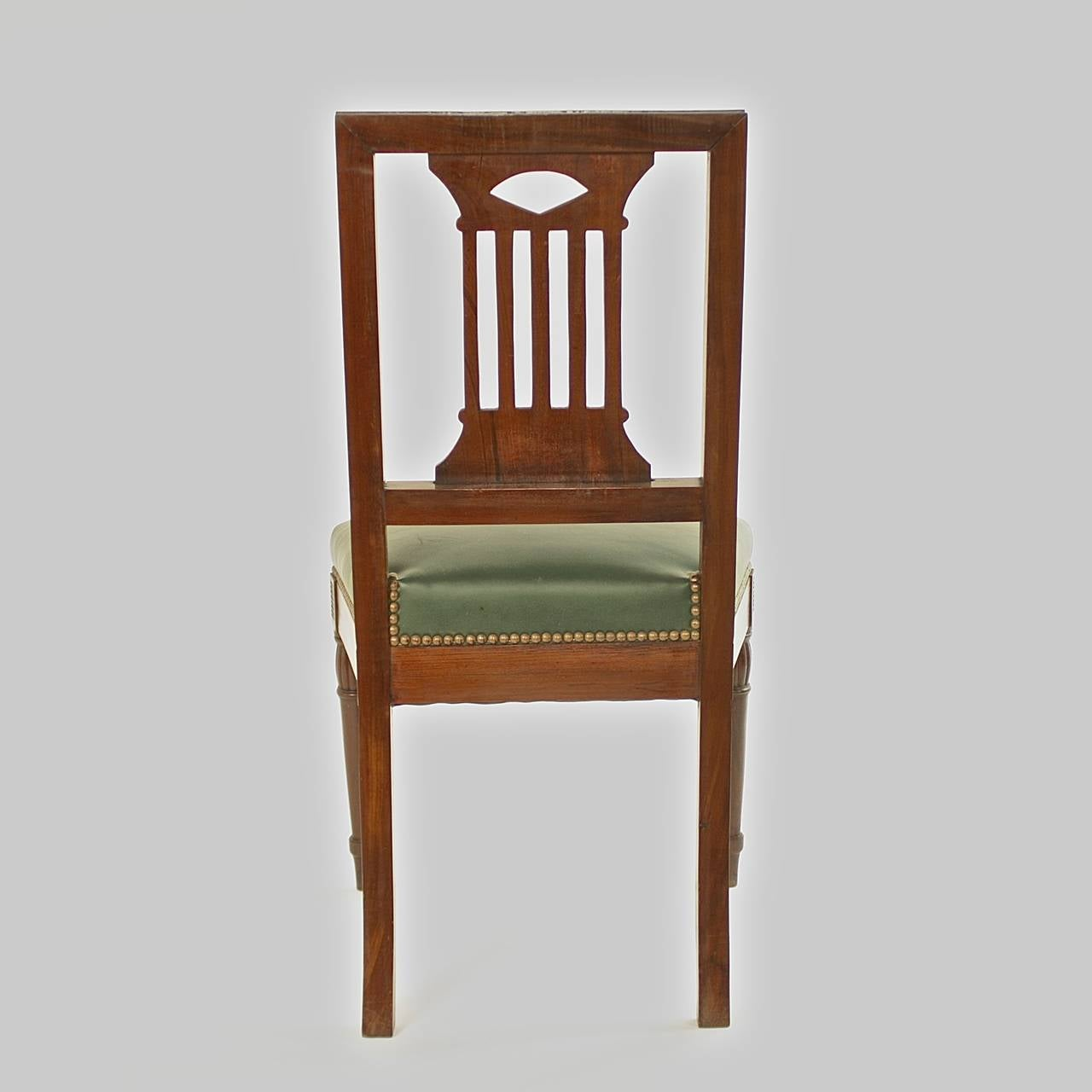 Pair of Early 19th Century Chairs, in the manner of Bellange frere, circa 1810 In Excellent Condition For Sale In Berlin, DE