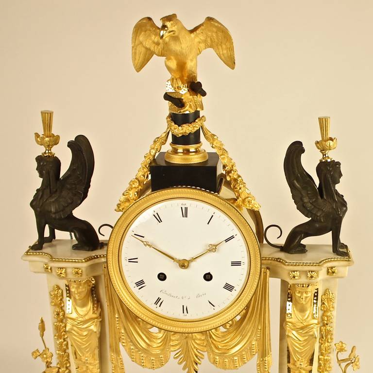 Late 18th Century Louis XVI white Marble and Ormolu Mounted Mantel Clock In Excellent Condition For Sale In Berlin, DE