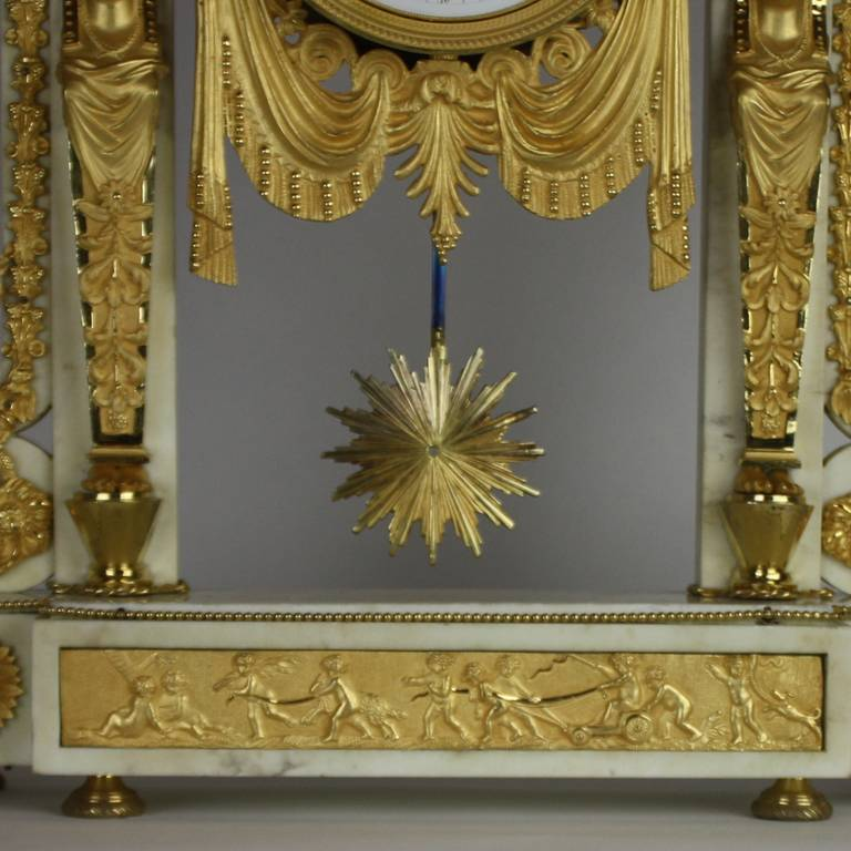 Late 18th Century Louis XVI white Marble and Ormolu Mounted Mantel Clock For Sale 1