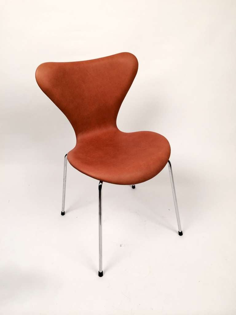 Arne jacobsen furniture the image kid for Arne jacobsen chaise