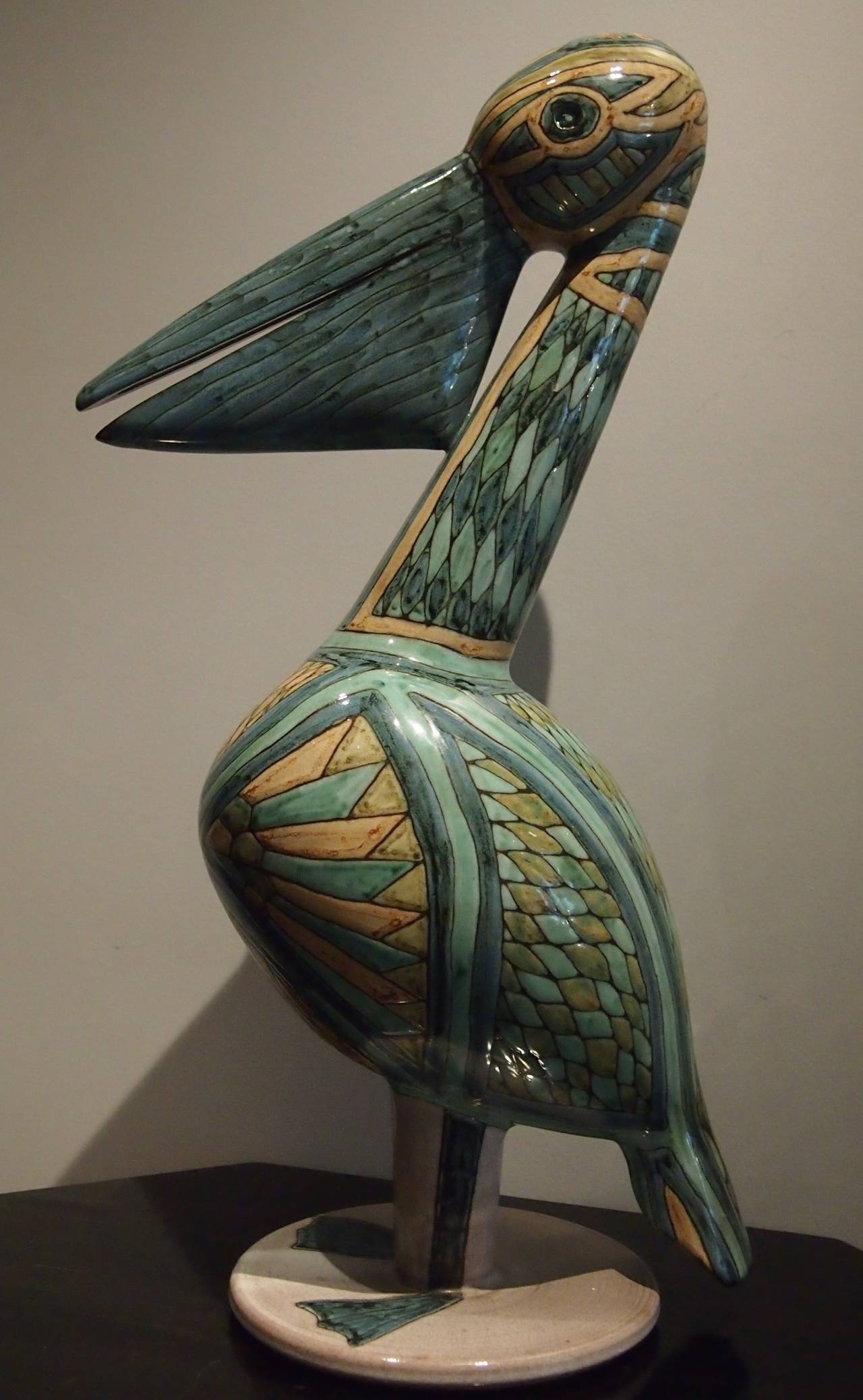 Emile Masson, French ceramist settled in Vallauris in 1950 and stayed during 15 and, then he leaved to go Bourg Saint-Maurice in Savoie and continue there in his ceramic workshop.