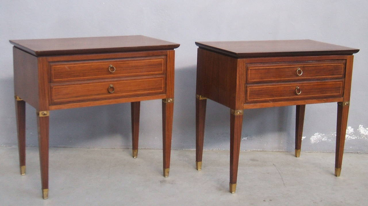 Mid-Century Modern Pair of Side Tables in the Style of Paolo Buffa For Sale