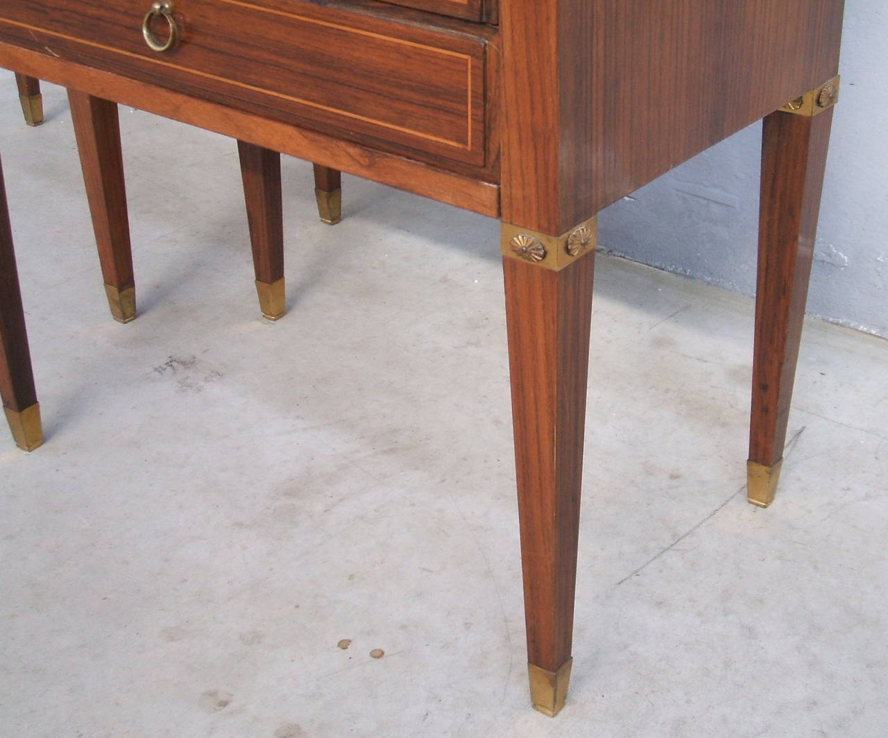 Pair of Side Tables in the Style of Paolo Buffa In Excellent Condition For Sale In Carpaneto Piacentino, Italy