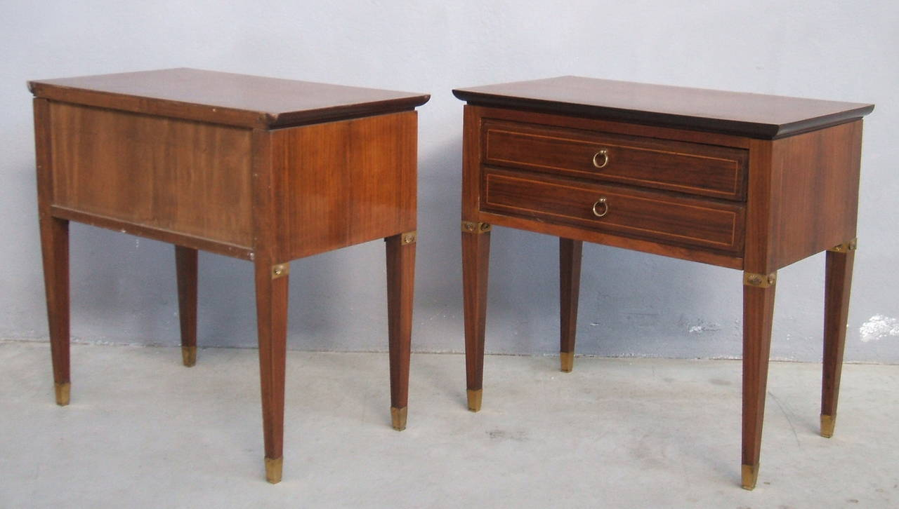 Pair of Side Tables in the Style of Paolo Buffa For Sale 1