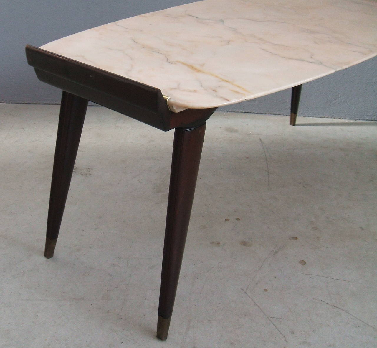 Very Fine Coffee Table Attribuited To Ico Parisi At 1stdibs