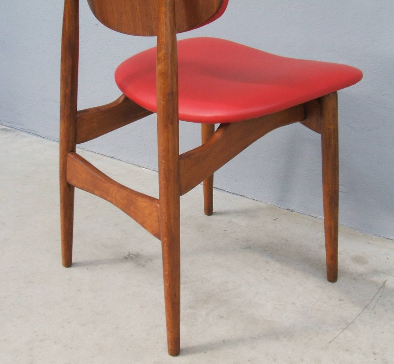 Fine Set of Six Italian 1950s Chairs For Sale 2