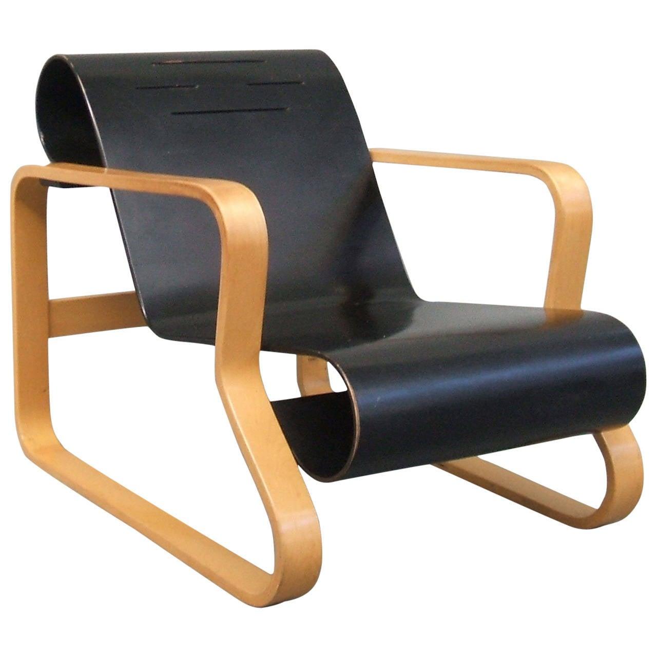 Paimio armchair by alvar aalto at 1stdibs for Alvar aalto chaise