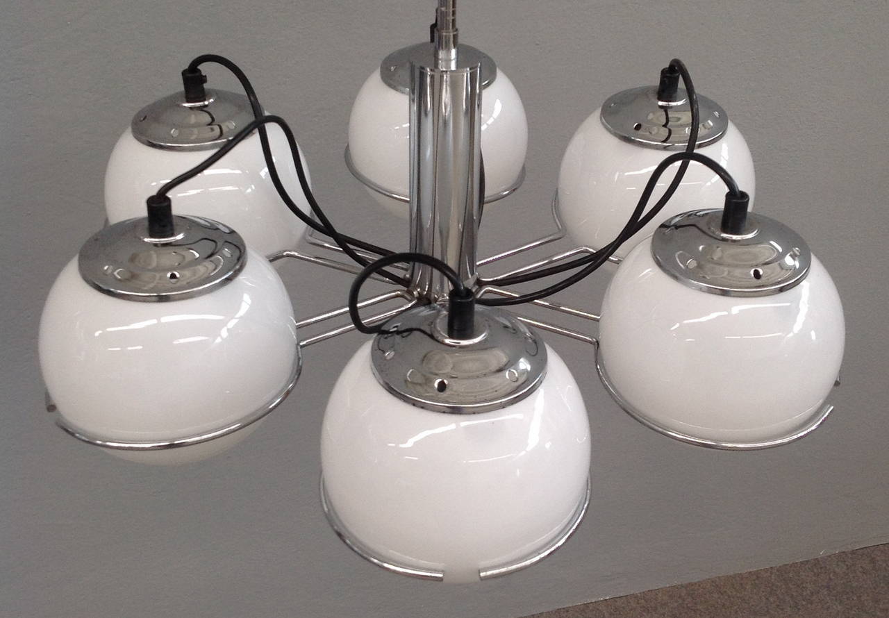 Mid-20th Century Midcentury Italian Chandelier in the Style of Gino Sarfatti For Sale