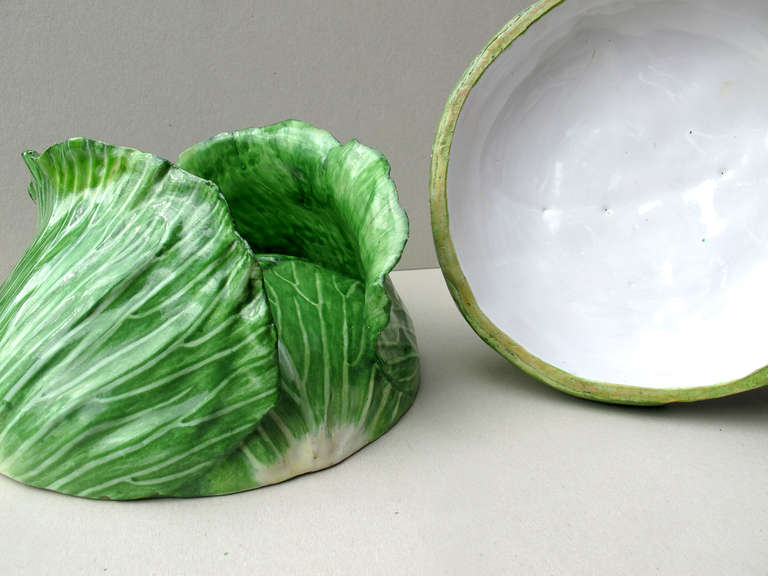 Cabbage Head Pair of Trompe L'Oeil Faïence Terrines In Good Condition For Sale In Weinheim, DE