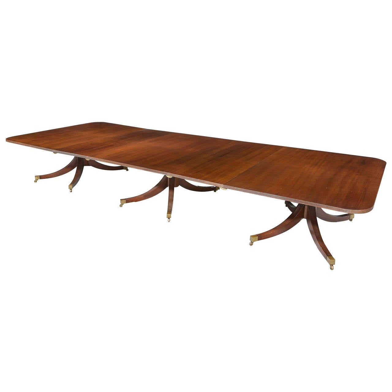 20th century three pillar mahogany dining table at 1stdibs for Pillar dining table