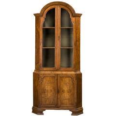 Queen Anne Design Corner Cupboard