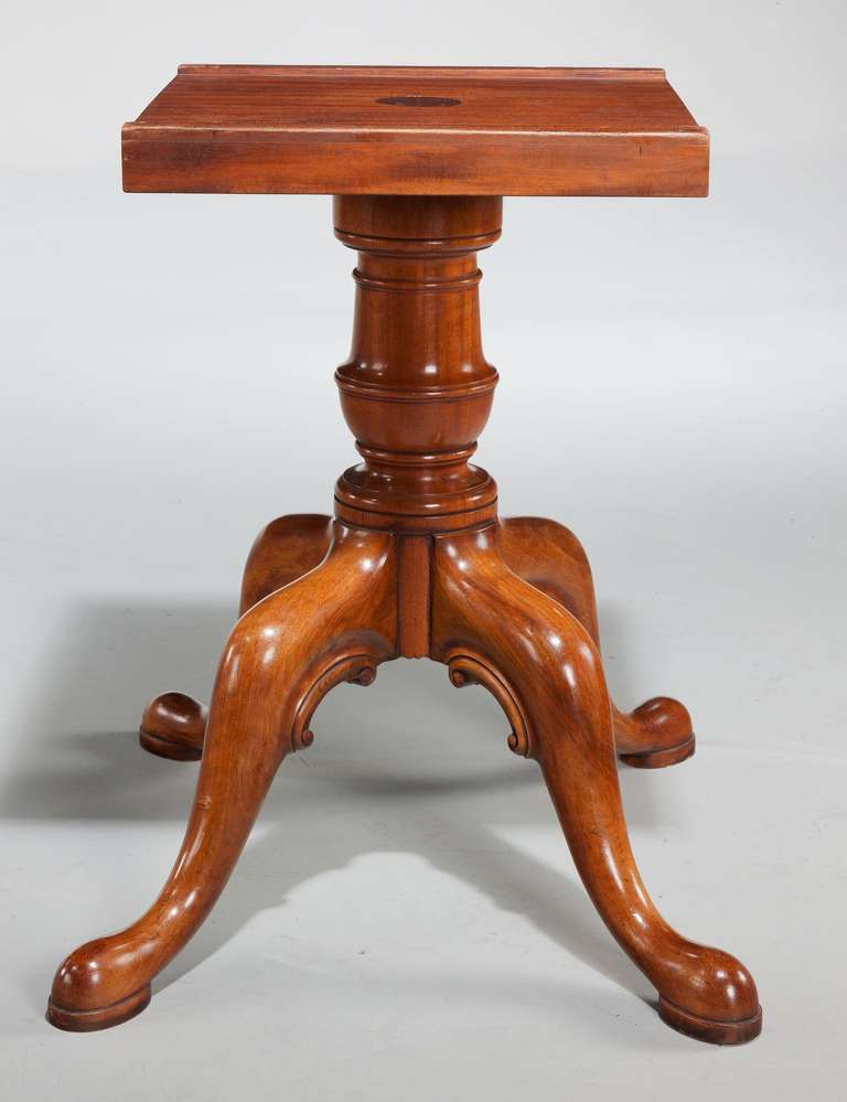 Mid 20th century mahogany two pillar dining table at 1stdibs for Pillar dining table