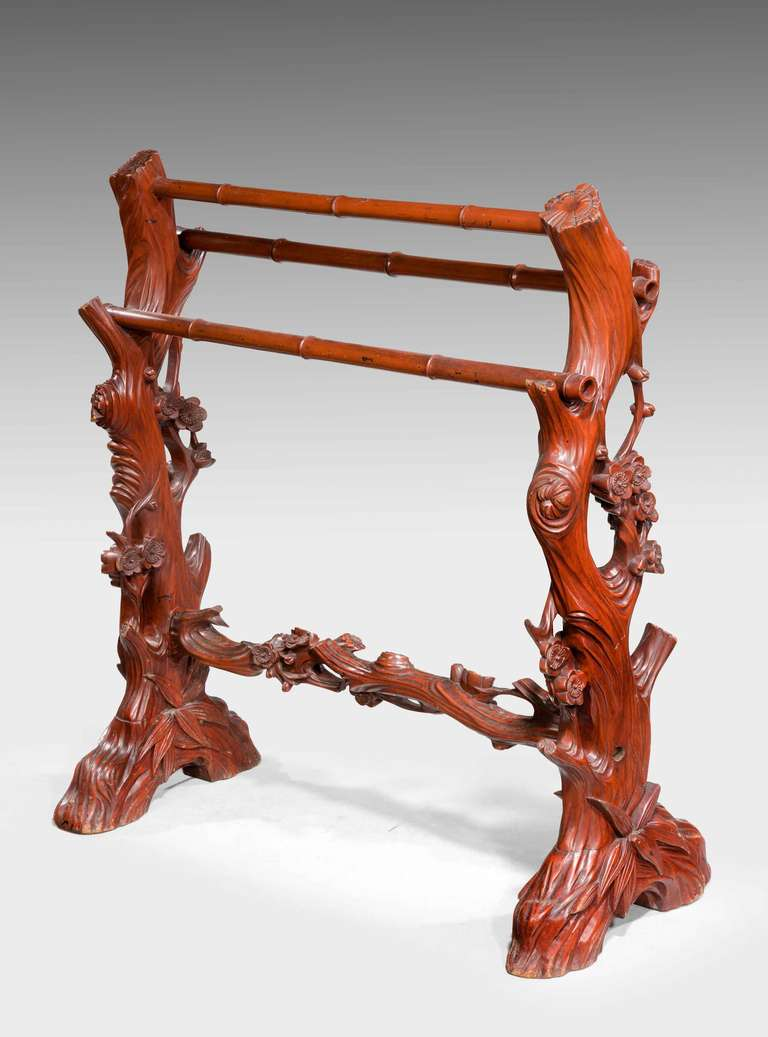 19th Century Carved Towel Rail In Good Condition For Sale In Peterborough, Northamptonshire