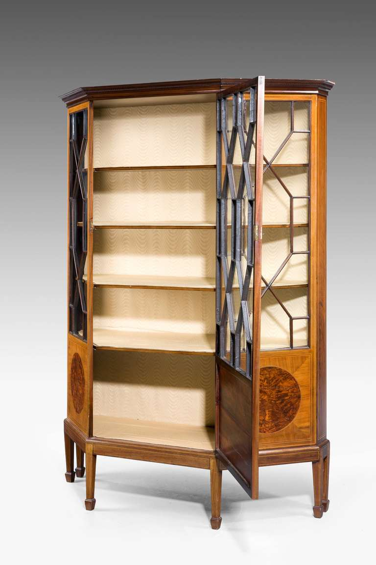 Edwardian Period Mahogany Display Cabinet In Good Condition For Sale In Peterborough, Northamptonshire