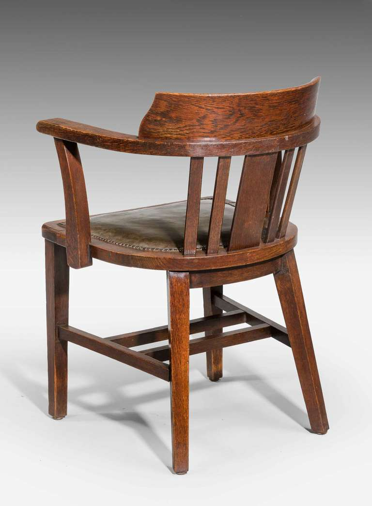 Oak Desk Chair. In Good Condition In Peterborough, Northamptonshire