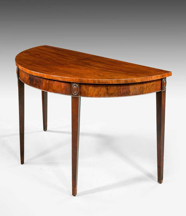 George III Period Mahogany Demilune Serving Table In Excellent Condition For Sale In Peterborough, Northamptonshire
