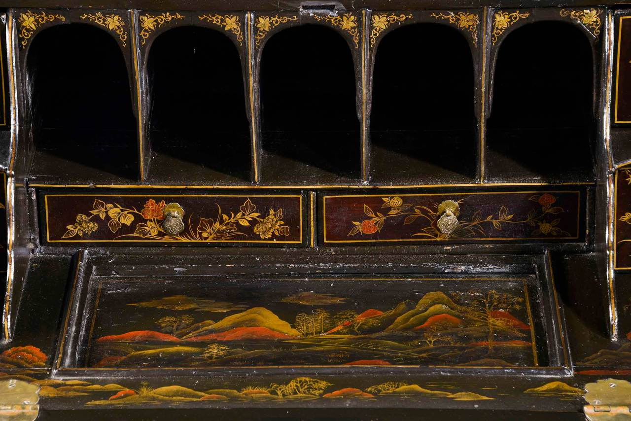 Fine and Rare Chinese Lacquered Writing Bureau For Sale 4