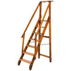 Early 20th Century Walnut Folding Library Ladder