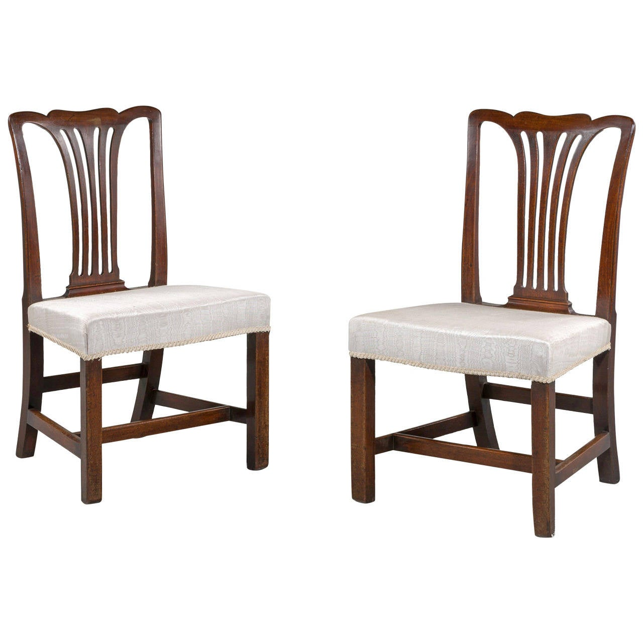 Walnut chippendale side chair for sale at 1stdibs for Side chairs for sale