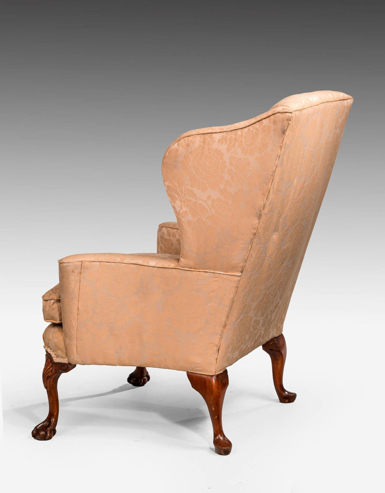 George II Design Walnut-Framed Wing Chair For Sale 1
