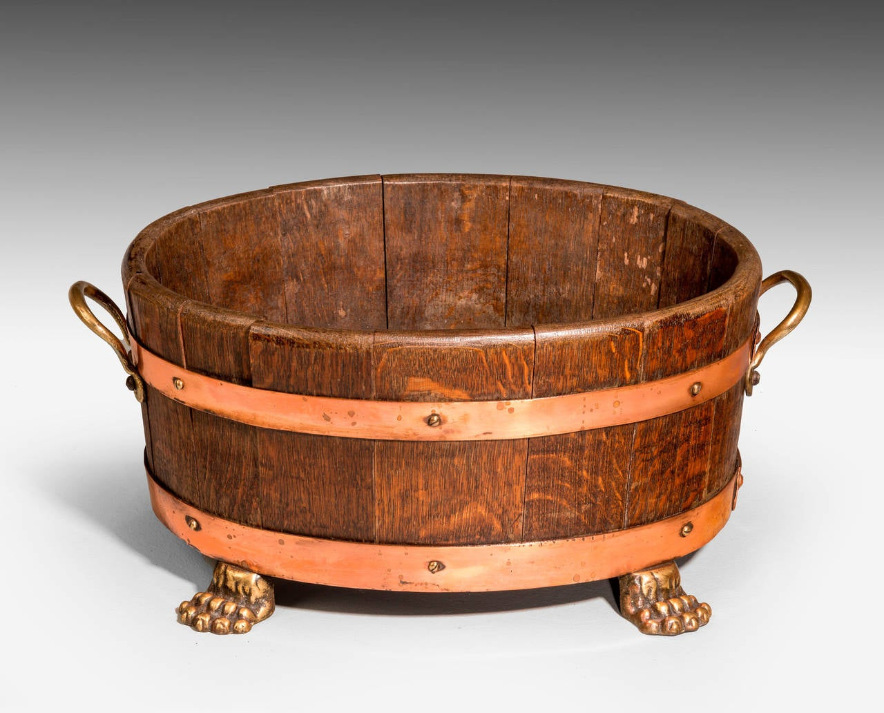 Early 20th Century Oak Coopered Planter In Good Condition For Sale In Peterborough, Northamptonshire