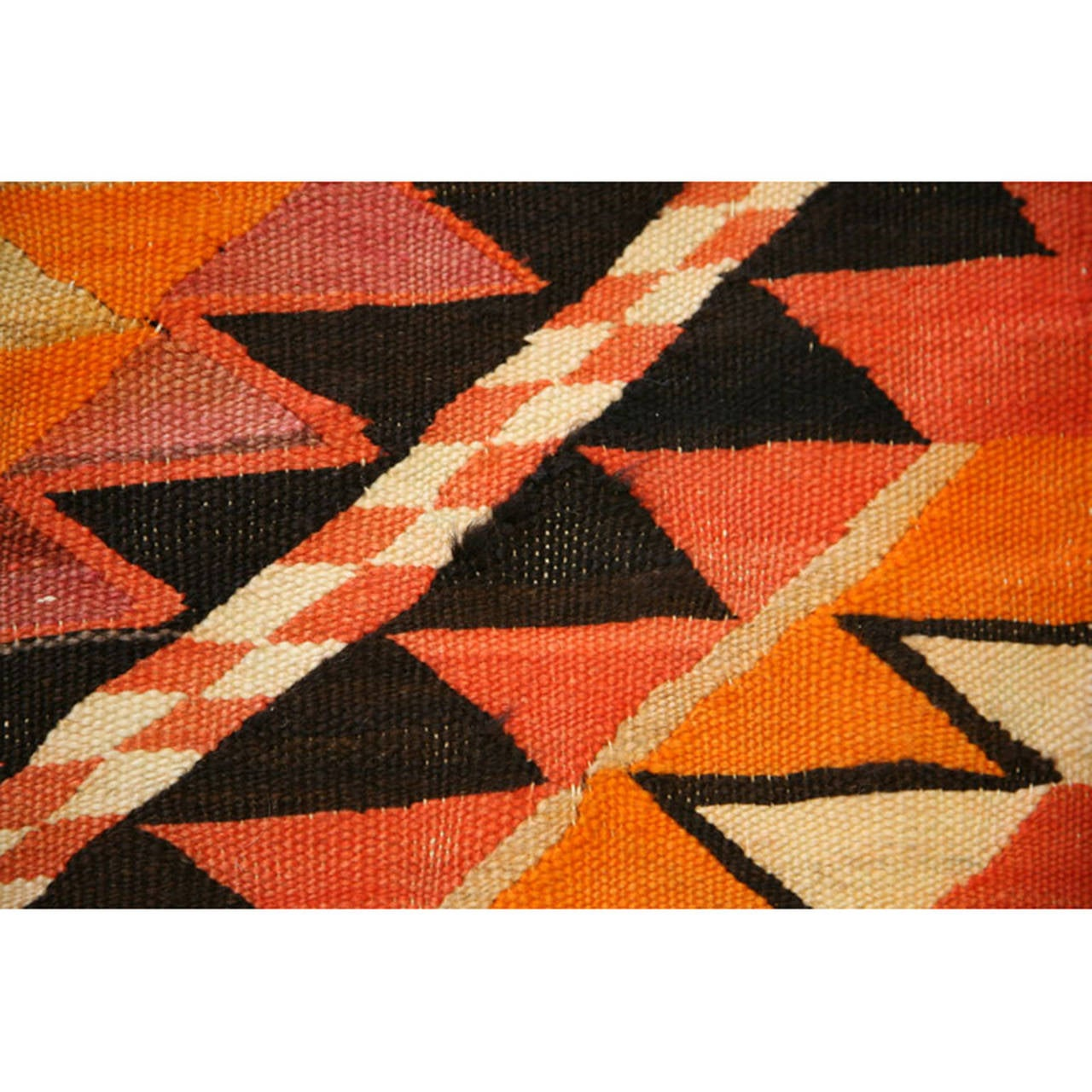 Navajo Transitional Eye Dazzler Blanket With Central