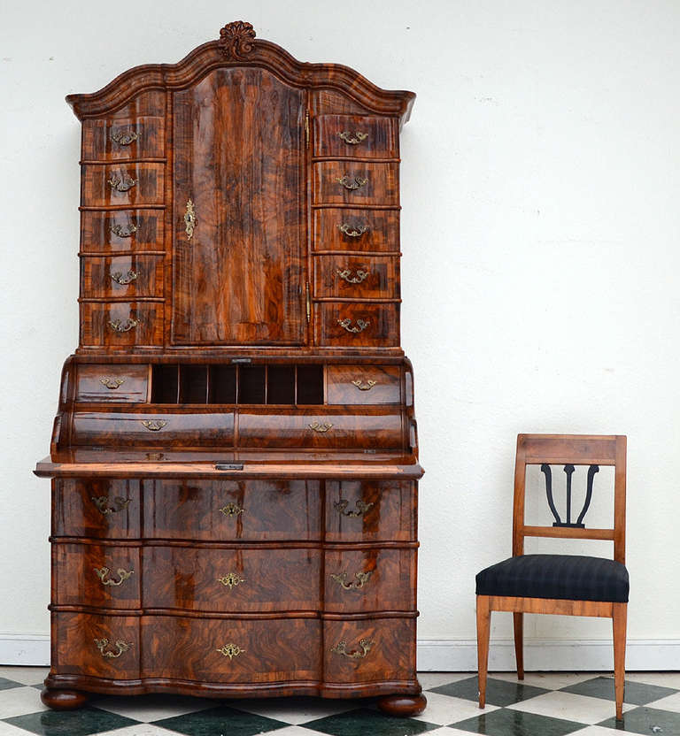 Authentic baroque bureau from frankfurt about 1740 at 1stdibs for Bureau baroque