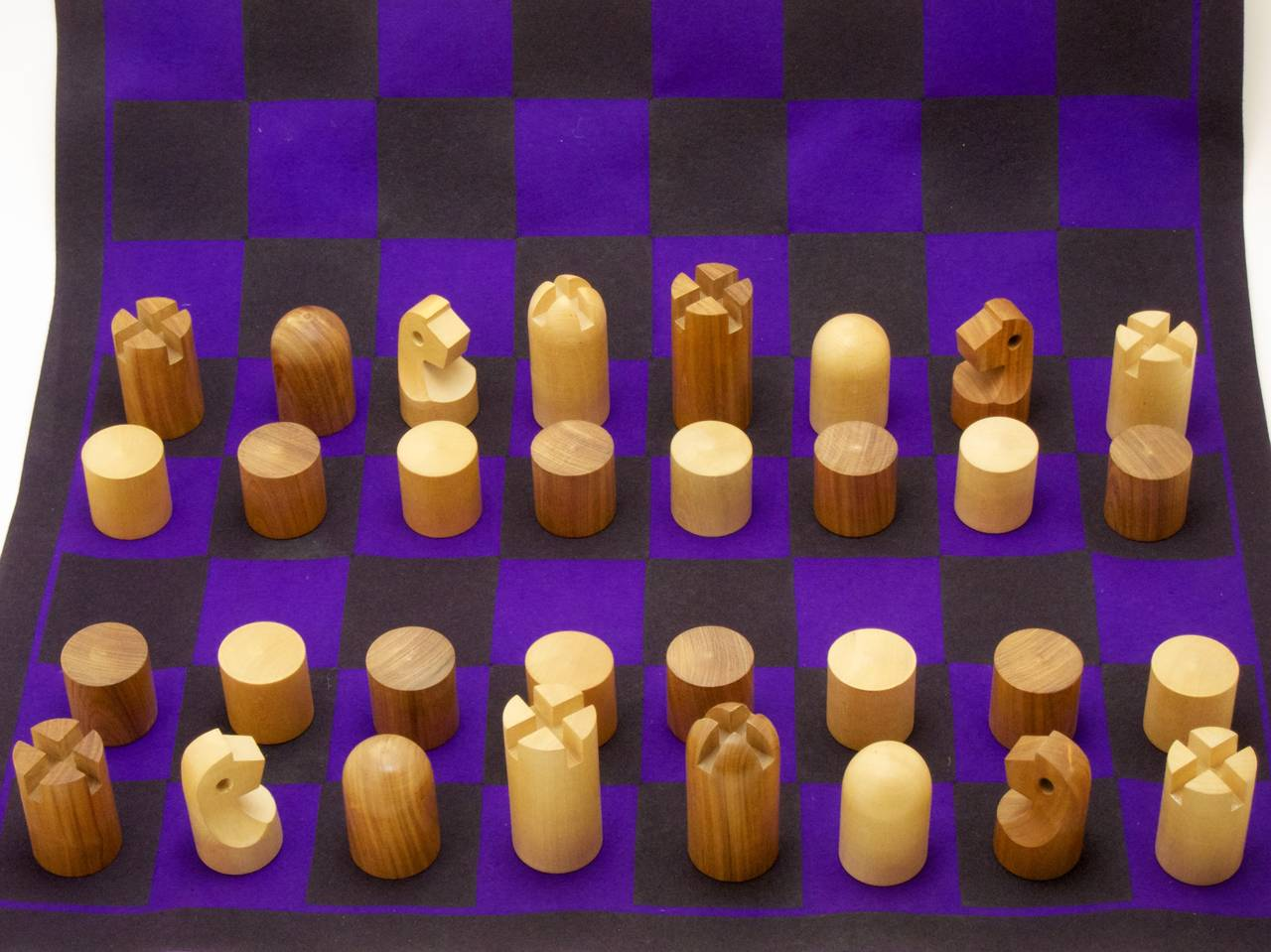Austrian Minimalist Chess Set by Carl Auböck