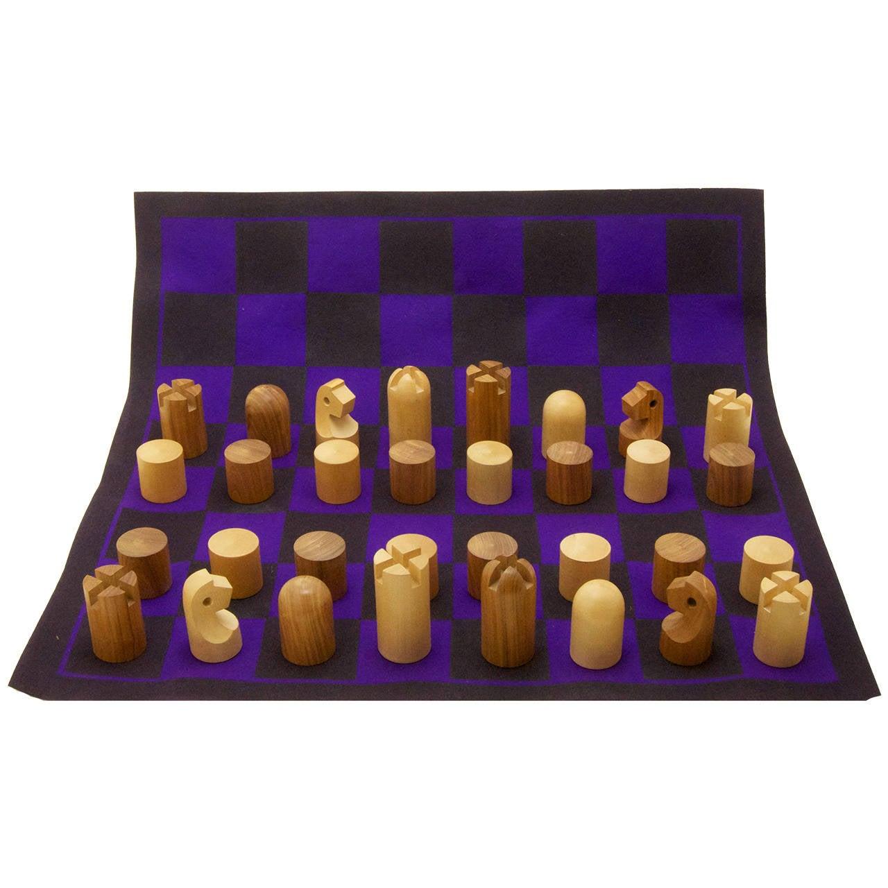 Minimalist Chess Set by Carl Auböck