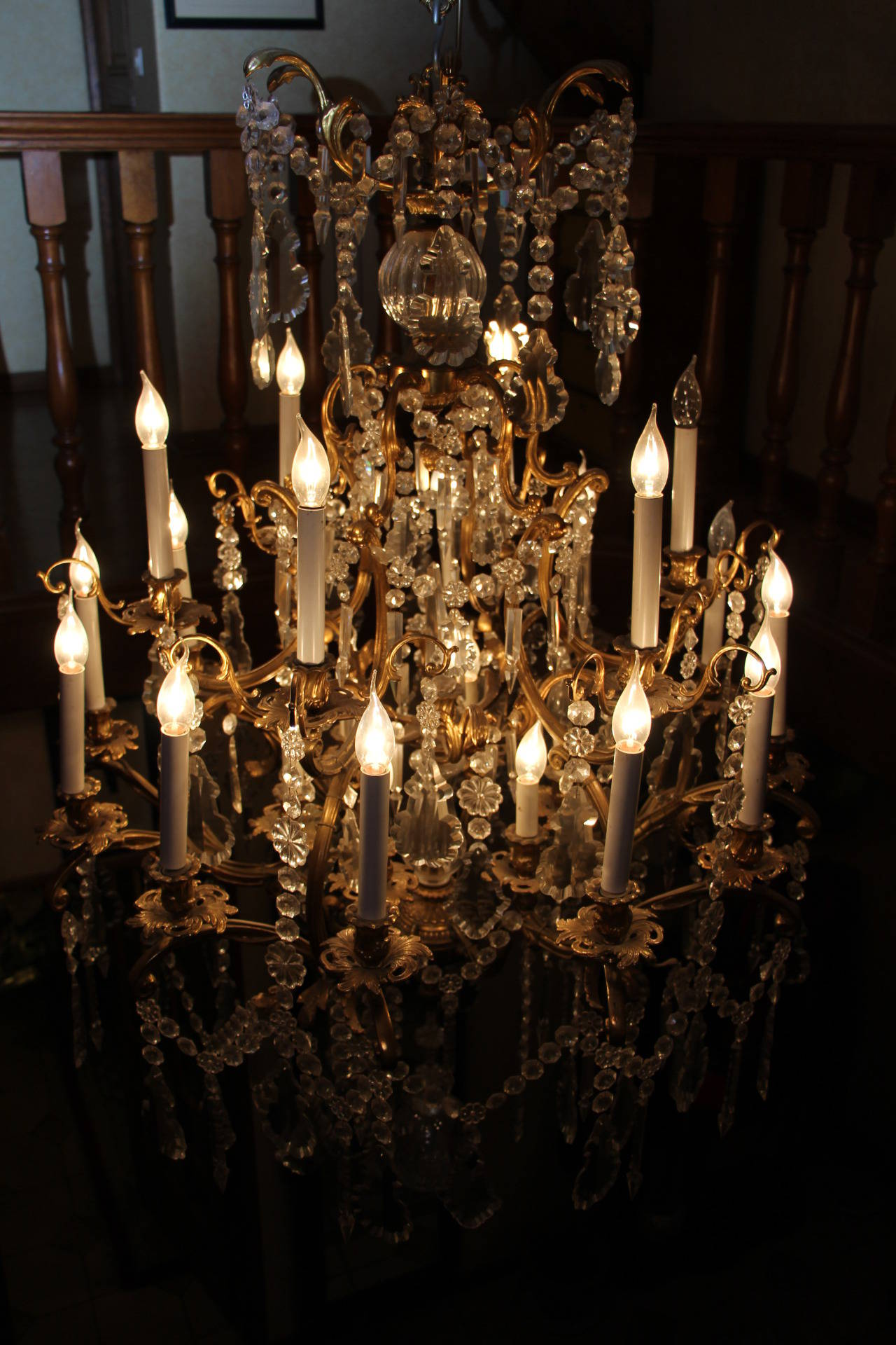 Louis XV Style Bronze and Crystal Chandelier For Sale 3