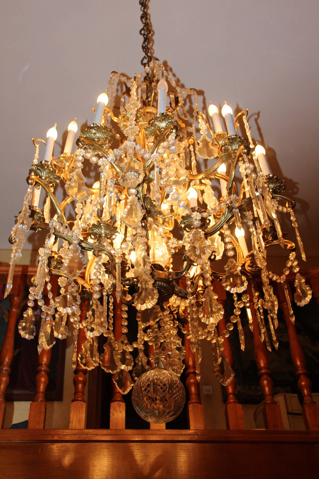 Louis XV Style Bronze and Crystal Chandelier For Sale 4