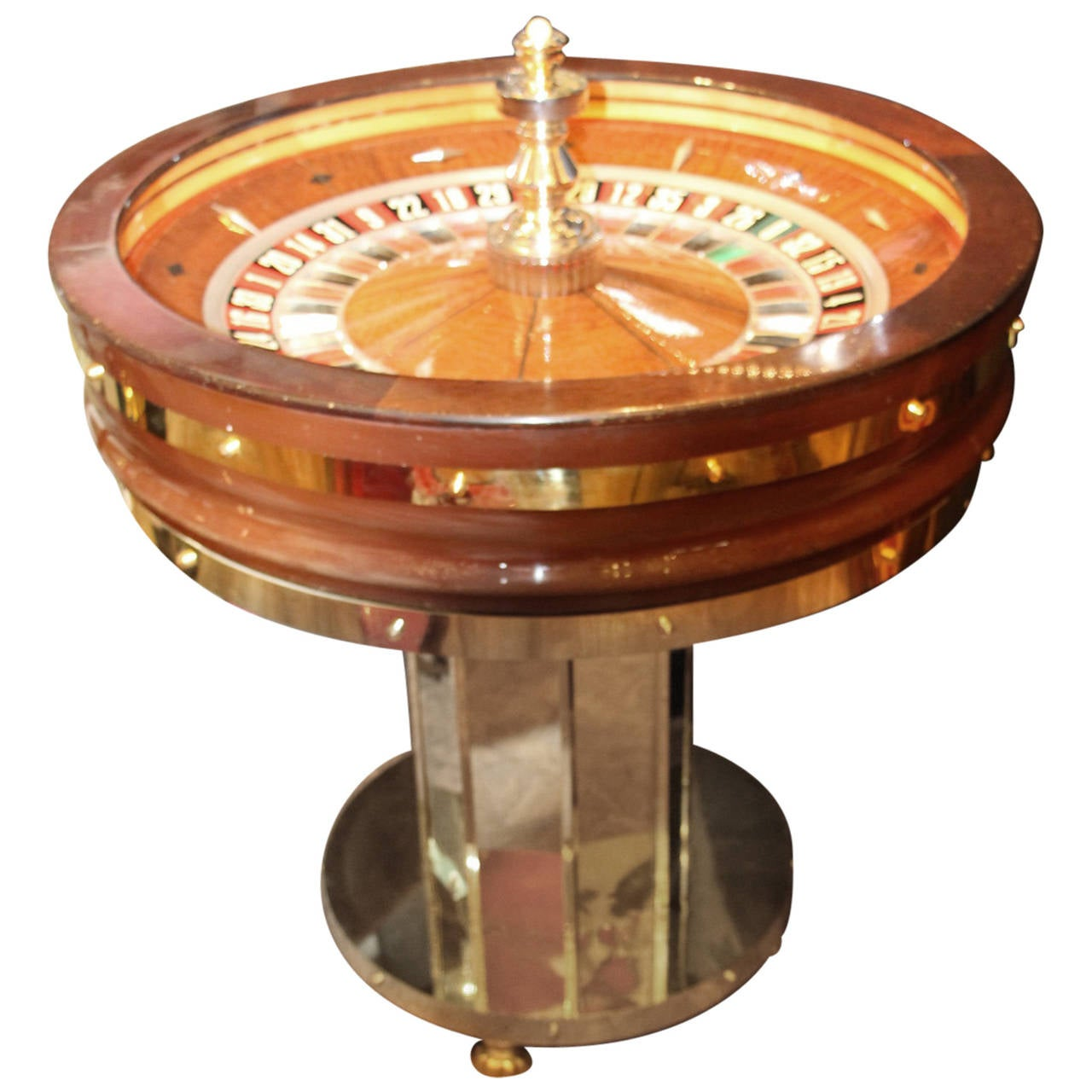 mahogany and amboina casino roulette wheel by john huxley. Black Bedroom Furniture Sets. Home Design Ideas