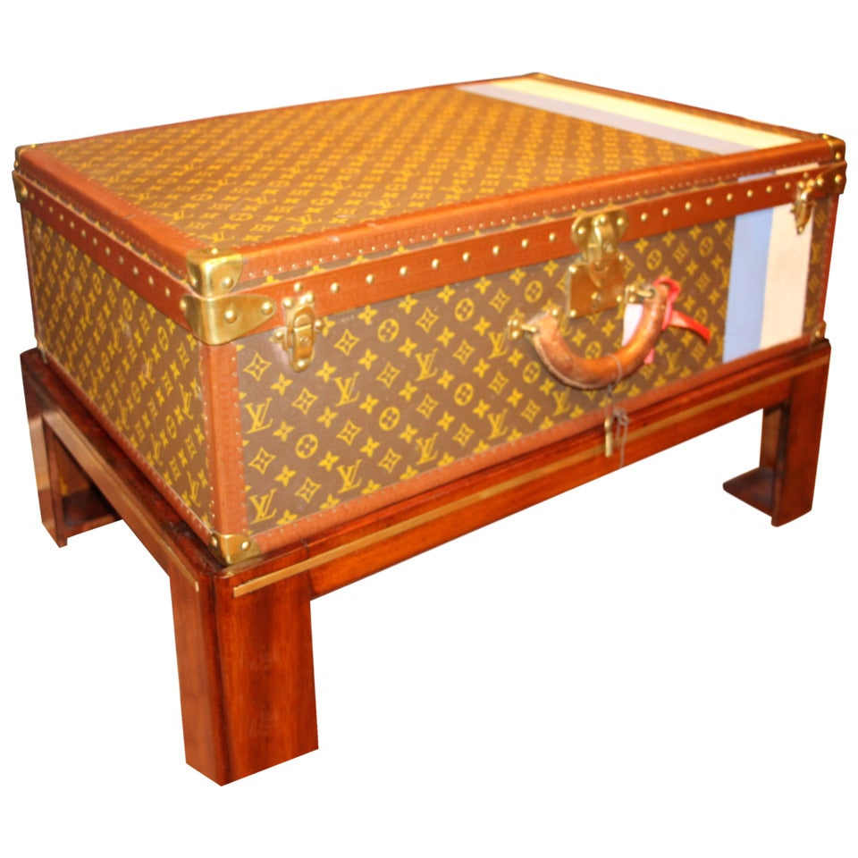 Lv Trunk Coffee Table: Vuitton Trunk As A Coffee Table At 1stdibs