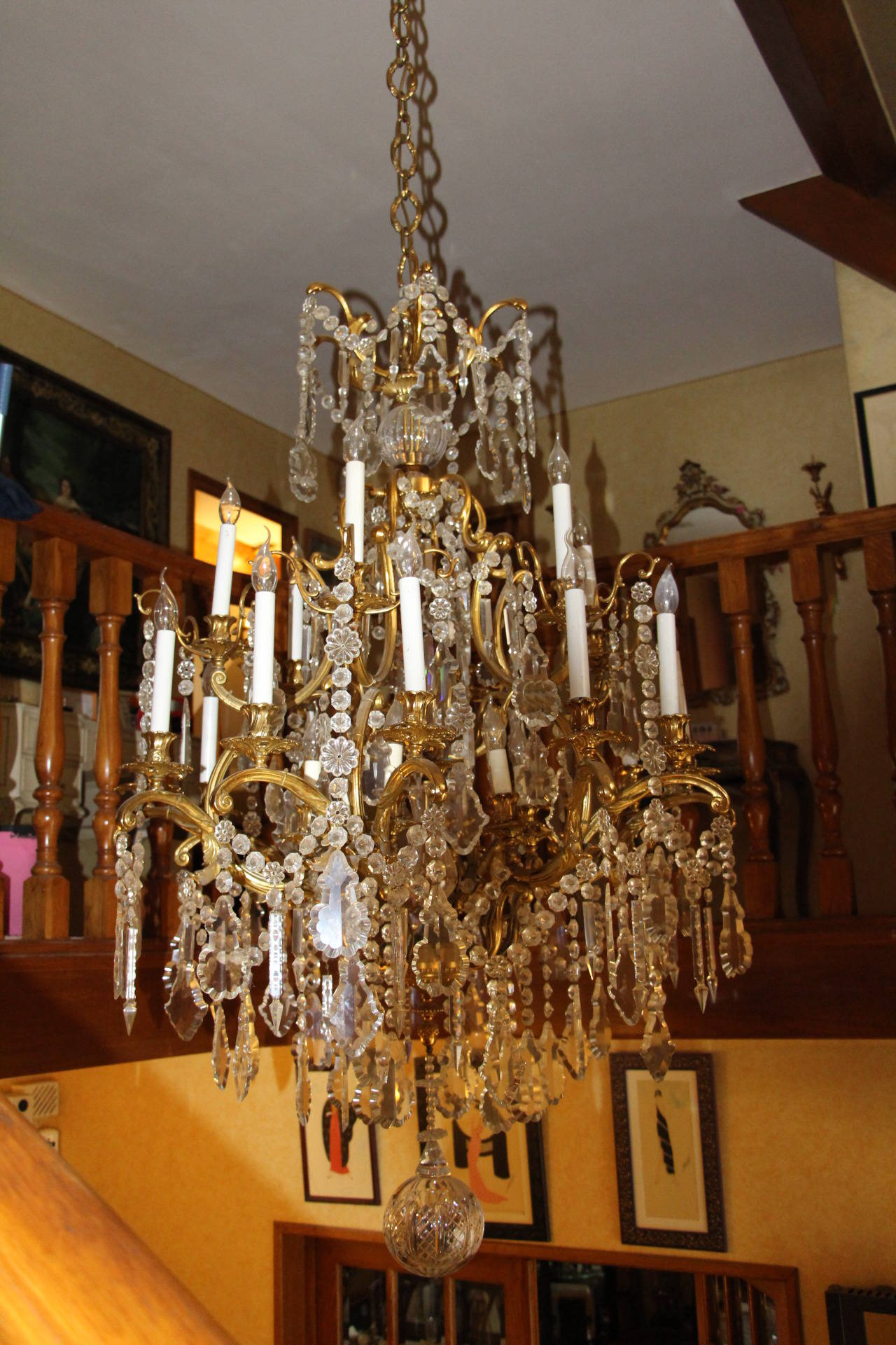 French Louis XV Style Bronze and Crystal Chandelier For Sale