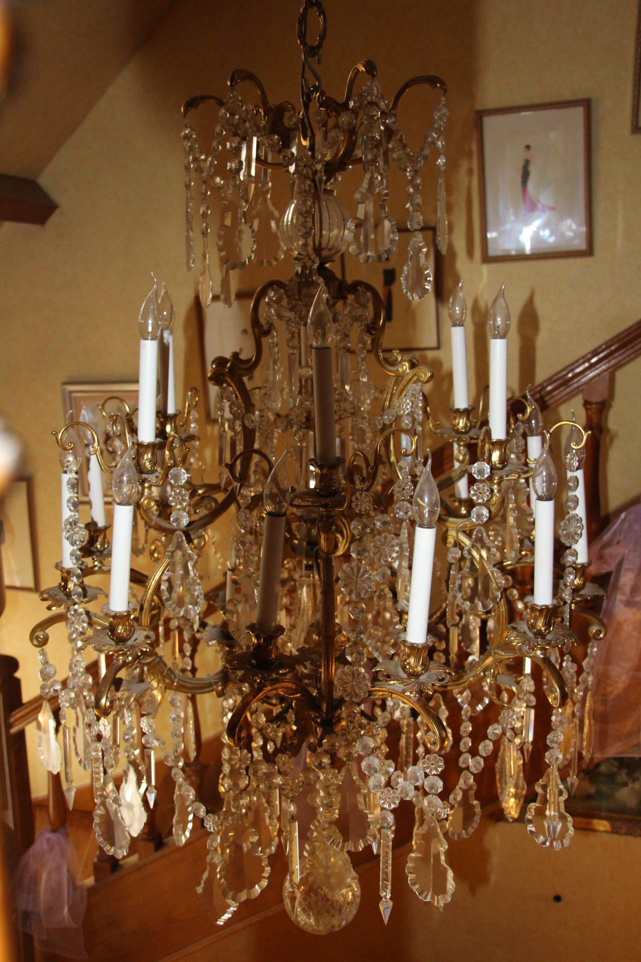 Louis XV Style Bronze and Crystal Chandelier For Sale 2