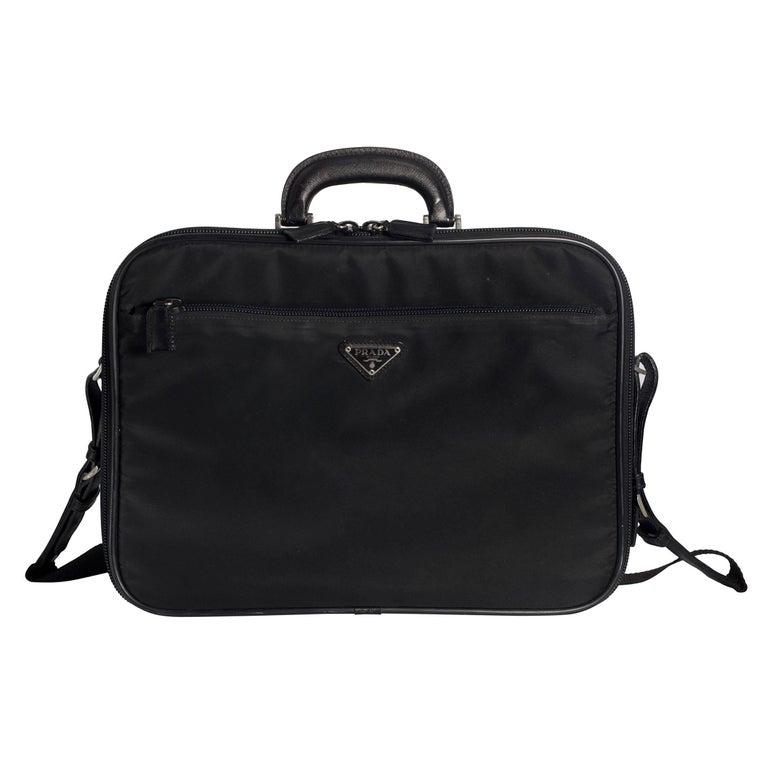 4d3272eb66e9 Prada Nero Nylon Computer Shoulder Briefcase For Sale at 1stdibs